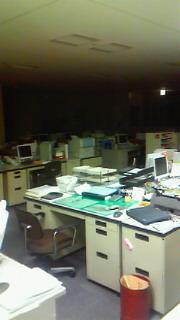 夜のオフィス